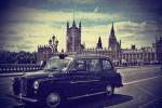 Старенький таксі-кеб